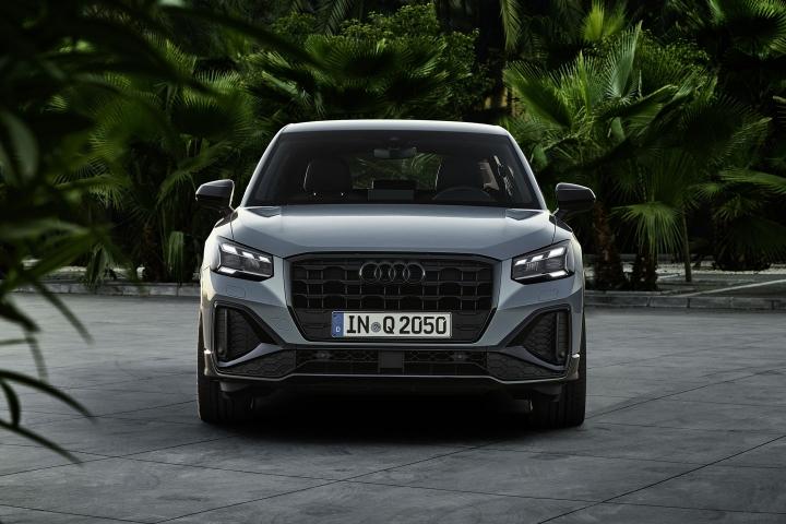 2021-Audi-Q2-front-side