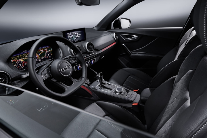 2021-Audi-Q2-inside
