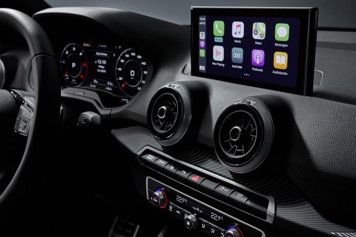2021-Audi-Q2-touch-screen