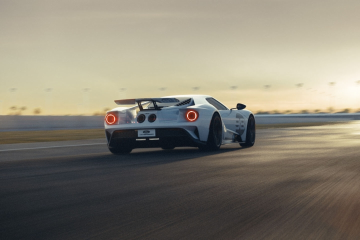 2021-Ford-GT-Driving