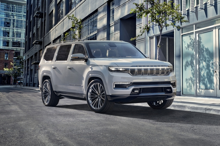 2021-Jeep-Grand-Wagoneer-7-passenger