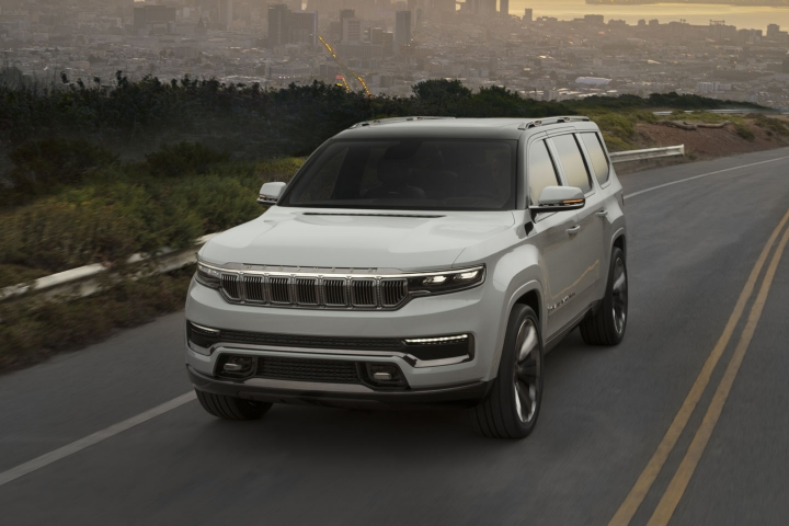 2021-Jeep-Grand-Wagoneer-drive