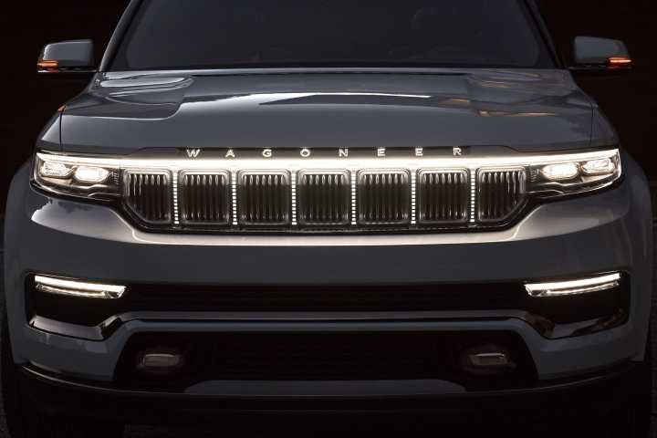 2021-Jeep-Grand-Wagoneer-hybrid-suv