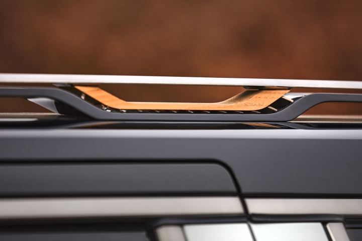 2021-Jeep-Grand-Wagoneer-roof-rack