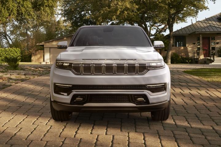 2022-Jeep-Grand-Wagoneer