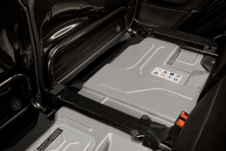 2021-Jeep-Wrangler-Rubicon-4xe-batteries