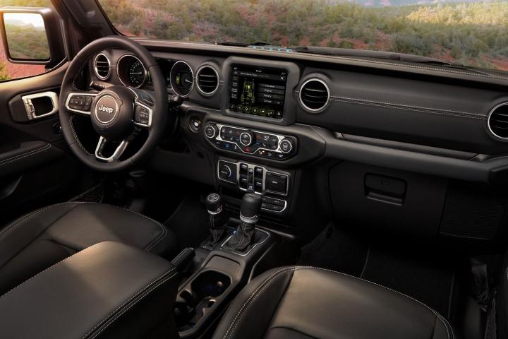2021-Jeep-Wrangler-Rubicon-4xe-interior
