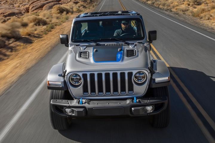 2021-Jeep-Wrangler-Rubicon-4xe-performance