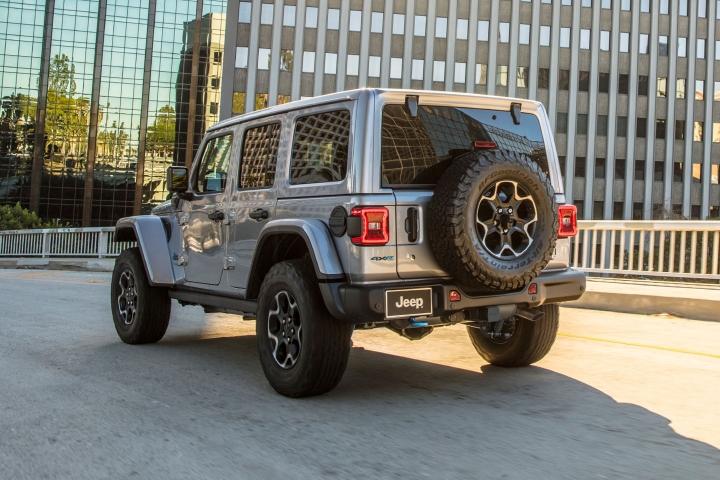 2021-Jeep-Wrangler-Rubicon-4xe-drive