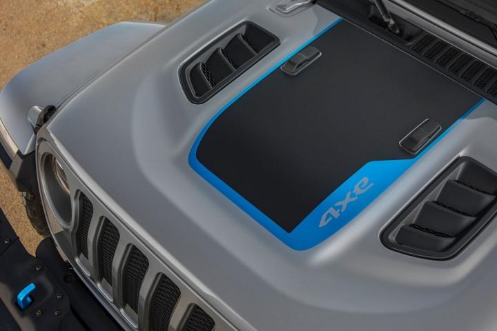 2021-Jeep-Wrangler-Rubicon-4xe-hood