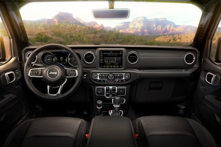 2021-Jeep-Wrangler-Rubicon-4xe-black-interior