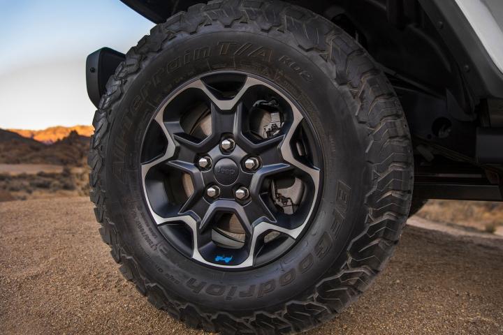 2021-Jeep-Wrangler-Rubicon-4xe-wheel
