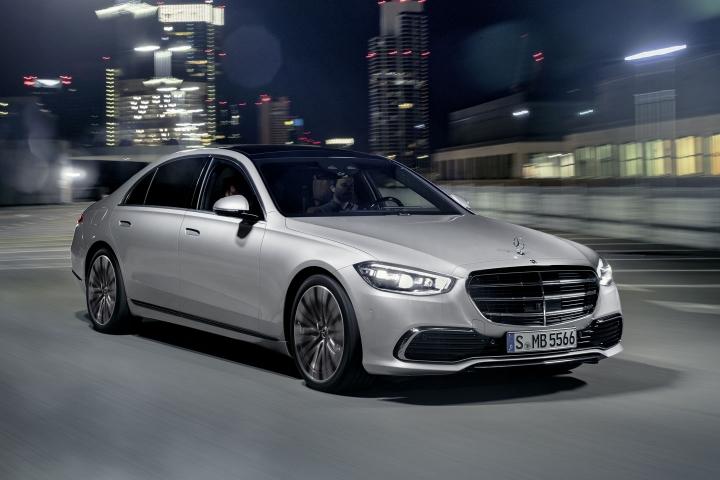 2021-Mercedes-Benz-S-Class-passenger-side