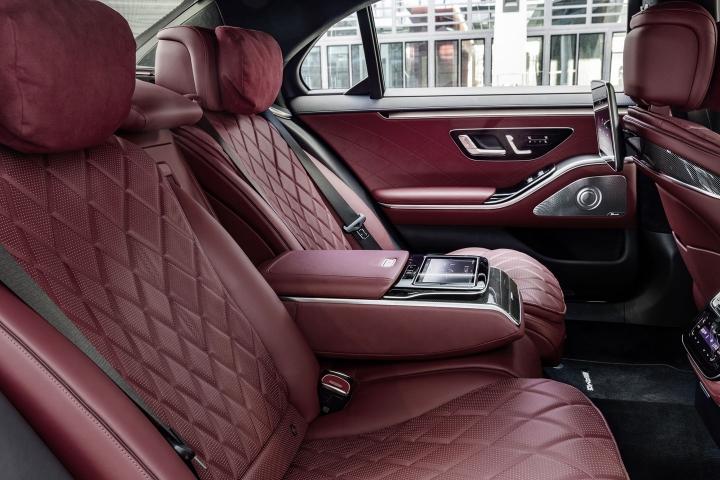 2021-Mercedes-Benz-S-Class-rear-seats