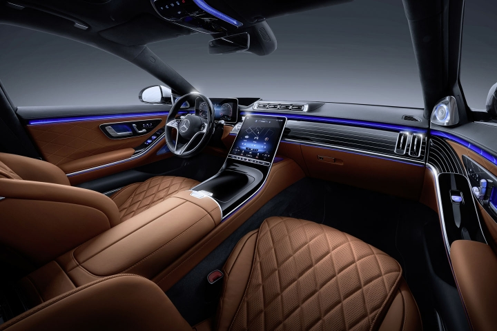 2021-Mercedes-Benz-S-Class-leather-interior