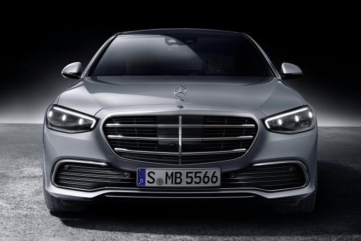 2021-Mercedes-Benz-S-Class-front