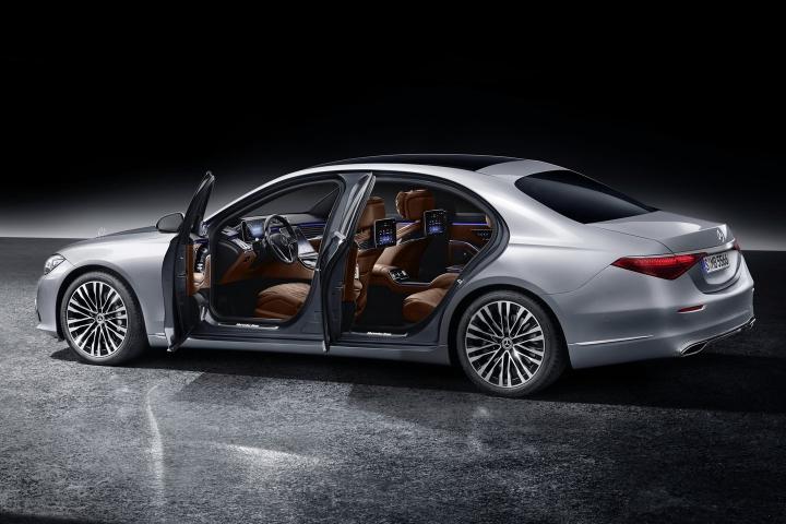 2021-Mercedes-Benz-S-Class-left-doors