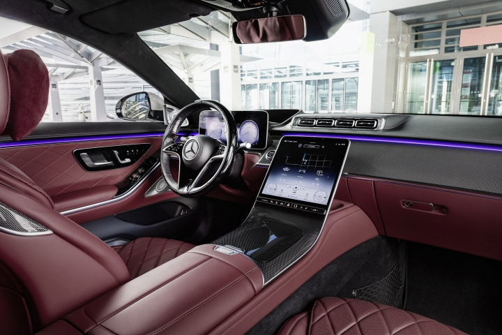 2021-Mercedes-Benz-S-Class-red-leather-interior