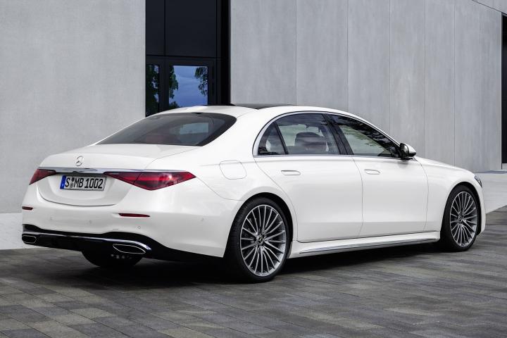 2021-Mercedes-Benz-S-Class-rear