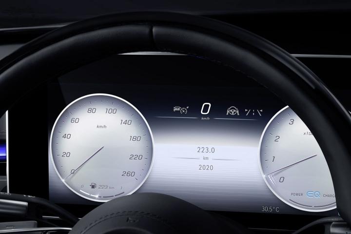 2021-Mercedes-Benz-S-Class-speedometer