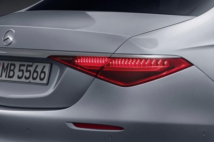 2021-Mercedes-Benz-S-Class-taillights