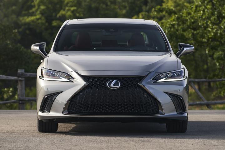 2021_Lexus_ES_250_AWD_F_Sport_sedan