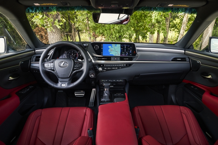 2021_Lexus_ES_250_AWD_F_Sport_interior