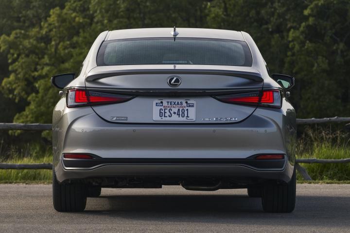 2021_Lexus_ES_250_AWD_F_Sport_rear