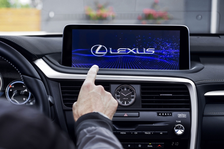 2021_Lexus_RX350_Touch_Screen_Display