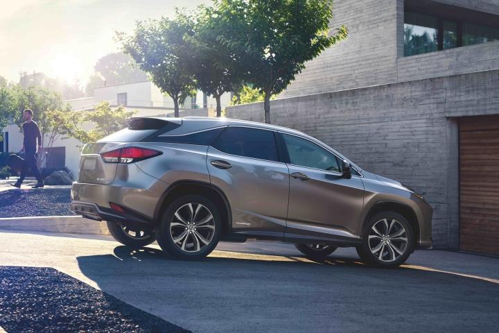 2021_Lexus_RX450h_Exterior_Design