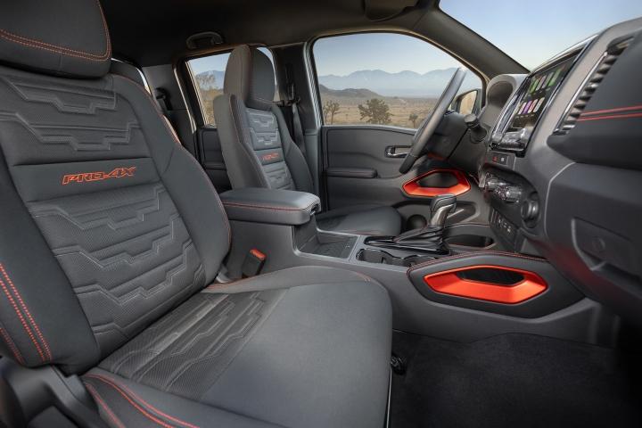 Nissan_Frontier_2022_Interior