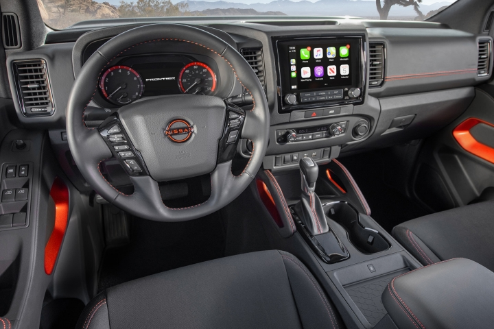 Nissan_Frontier_2022_Steering_Wheel