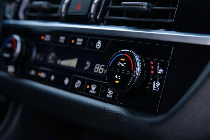 2022_Nissan_Pathfinder_Climate_Controls