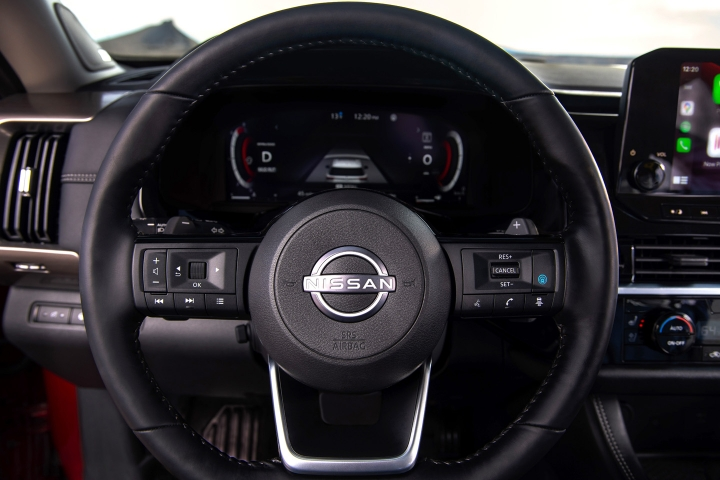2022_Nissan_Pathfinder_Steering_Wheel