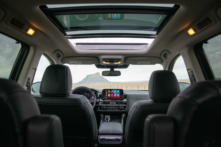 2022_Nissan_Pathfinder_Sunroof