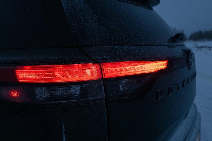 2022_Nissan_Pathfinder_Taillights