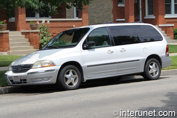 Ford-Windstar-2002