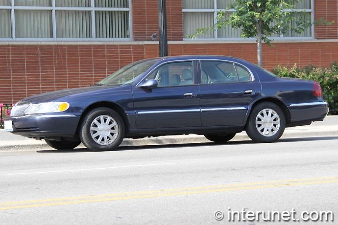 Lincoln-Continental-2002