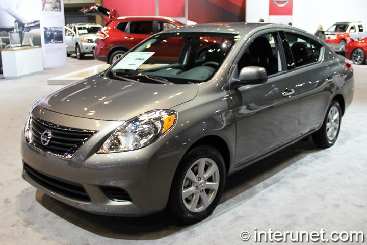 Nissan-Versa-Sedan