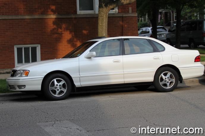 Toyota-Avalon-1999