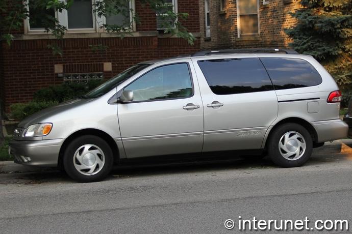 Toyota-Sienna-2002