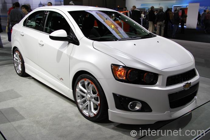 chevrolet-sonic-sedan-ls