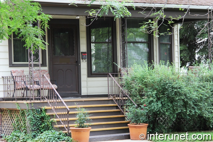 front-porch-with-simple-design