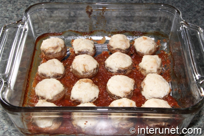 mushrooms-stuffed-with-meat-filling-baked-in-the-oven