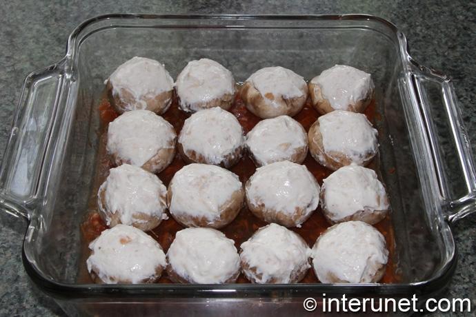mushrooms-on-baking-pan