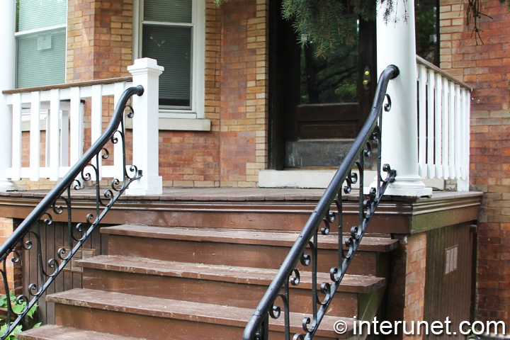 older-front-porch-on-brick-pillars