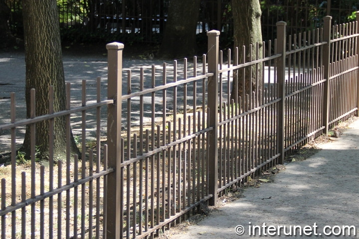 simple-steel-fence-painted-brown