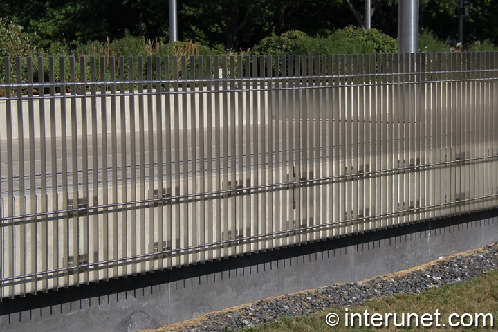 steel bars fence contemporary design