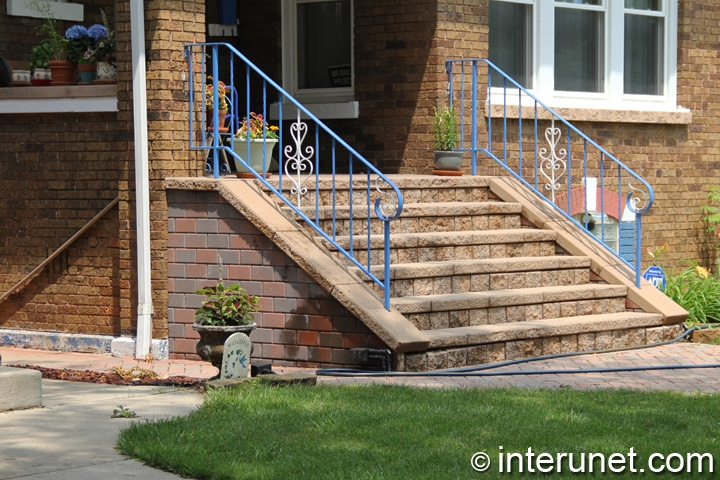 stylish-front-porch-with-custom-designed-steps