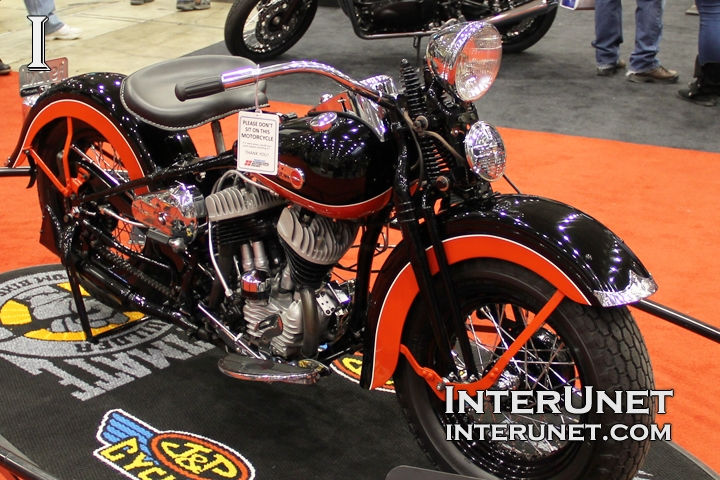 1947 Harley-Davidson WL old style bike